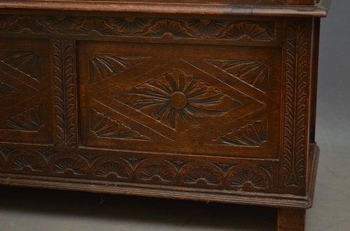 A Victorian Oak Hall Bench - Box Settle