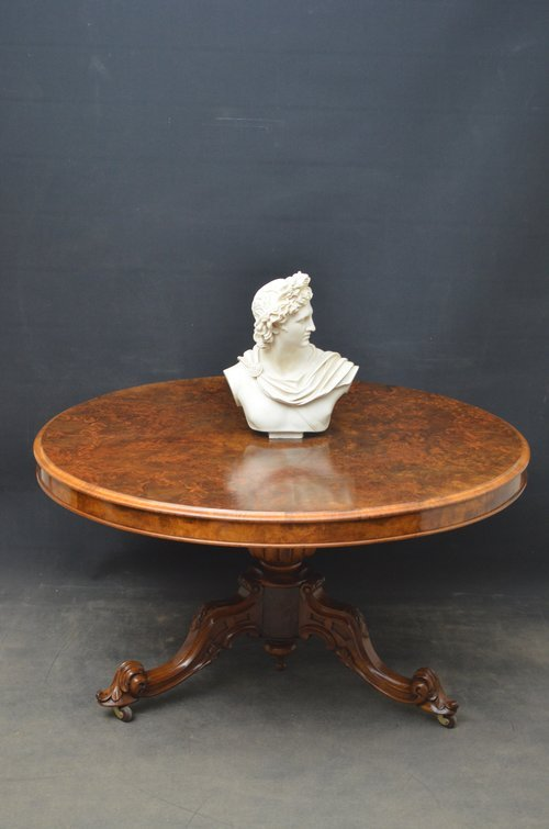 Fine Quality Victorian Centre Table - Dining Table