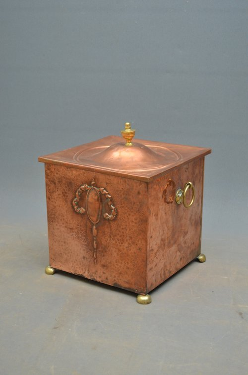 Elegant Edwardian Copper Coal Bucket