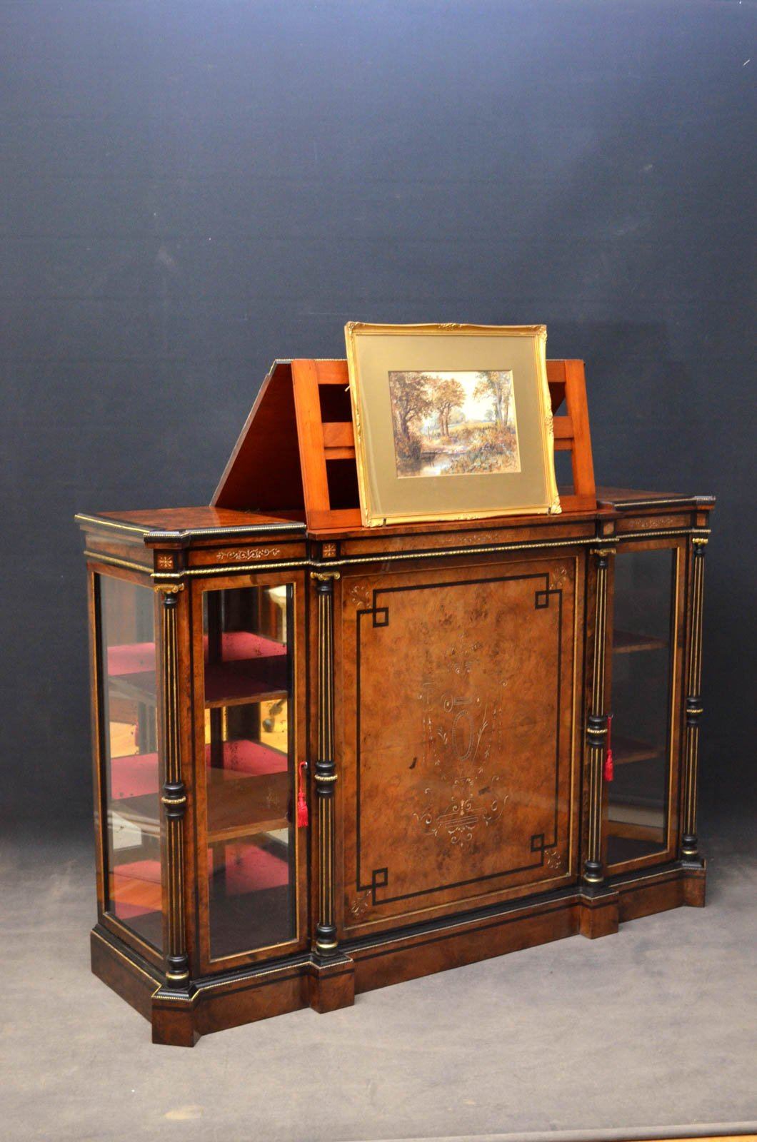 Victorian picture stand